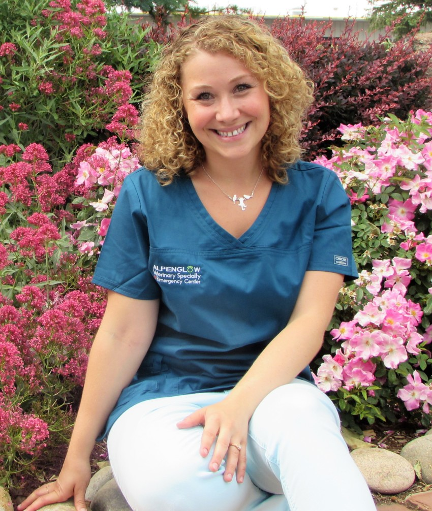 Dr. Shira Feinstein : ECC Veterinarian