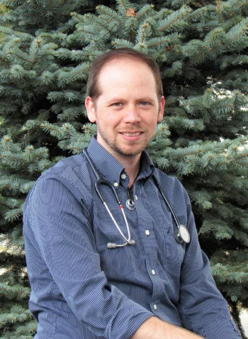 Dr. Tyler Dugard Scott : Surgery Intern, DVM
